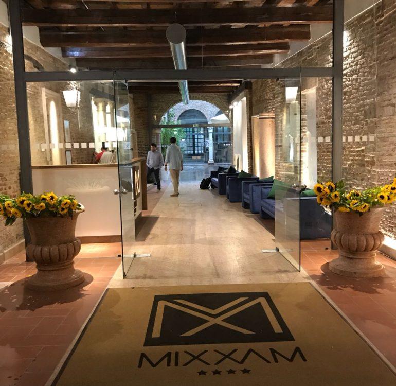 andrea dolcetti design maxxim hotel ferrara x - seguimi - architetto